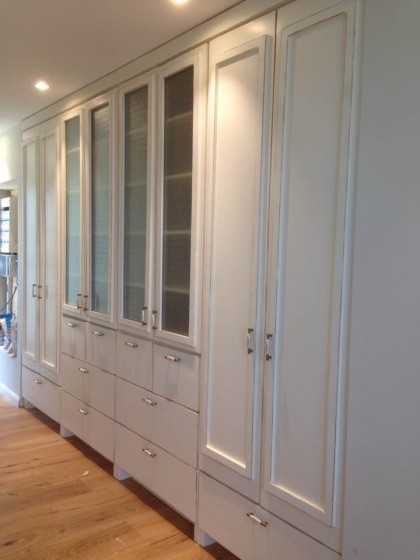 אדיר ארון עם דלתות זכוכית סבתא-99 / ארונות בגדים במבצע - טרנקילה BY-49